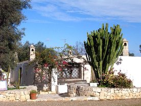 Apulia 4 holiday apartments with pool Villa Agreste